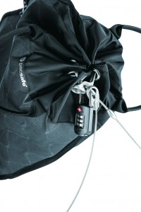 Travelsafe 5L GII_CHARCOAL_10470104_locking system